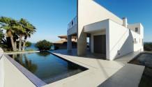 BAUHAUS-TRAUM! Villa in fantastischer Lage, direkt an der Cala Manacor.