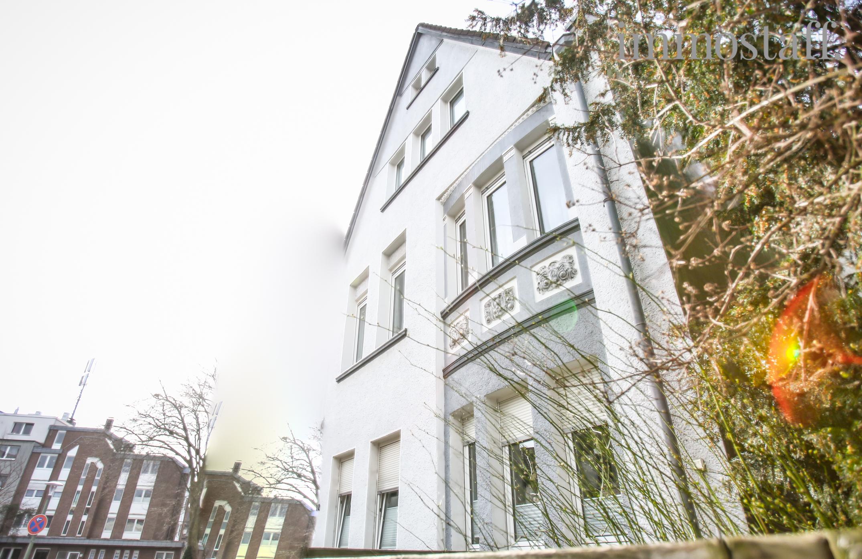 bottrop: modernisierte jugendstilvilla mit 3 wohnungen & 240 m²