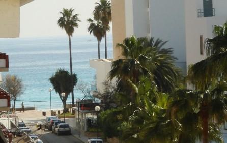 Seitlicher Meerblick vom Balkon