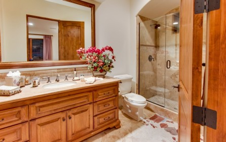 Badezimmer zu Schlafzimmer Nr. 5