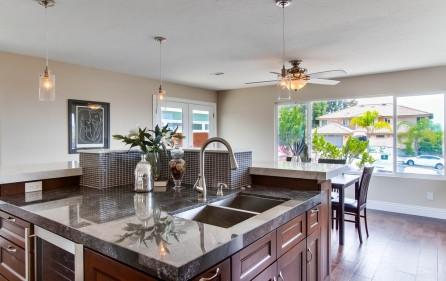 Küchenblock mit Granit- & Marmorplatten