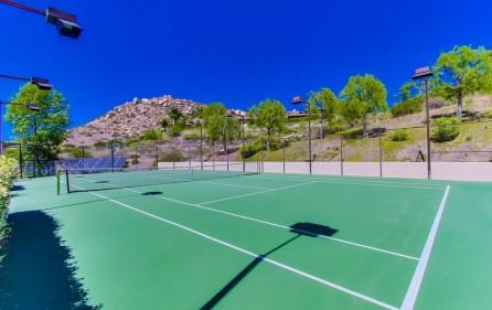 Tennisplatz, Ansicht 4 (bei Tag)