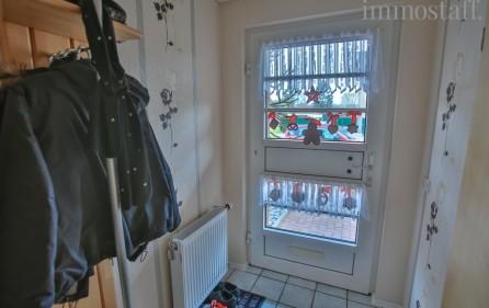 Eingangsbereich mit Garderobe im EG