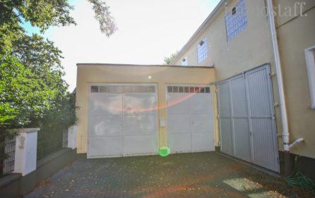 Große Garagen