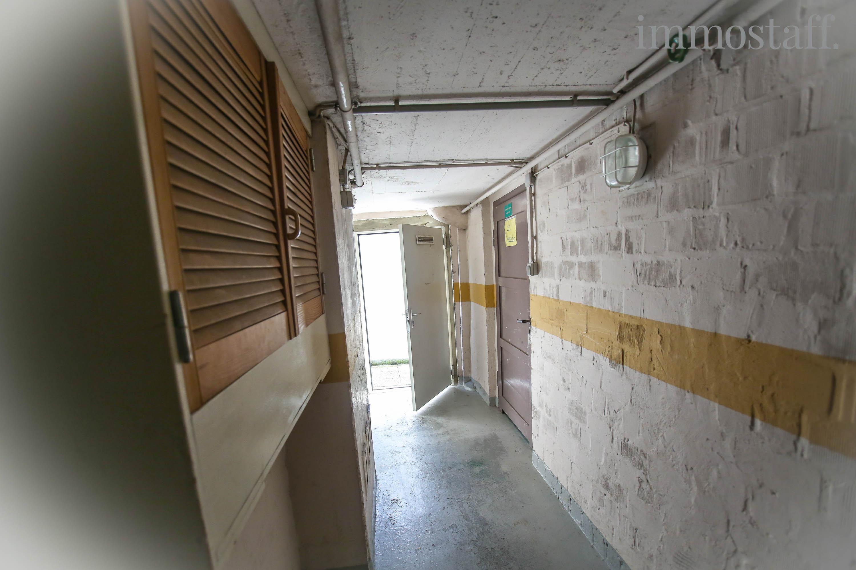 Bottrop das angebot zwei mehrfamilienh user ein freistehendes einfamilienhaus plus 8 garagen - Fliesen bottrop ...
