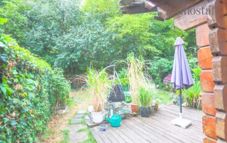 Gartenhaus und Teich