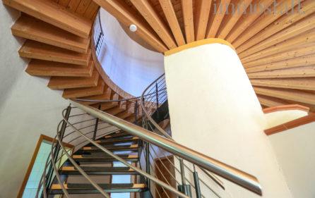 Deckenkostruktion mit Treppe