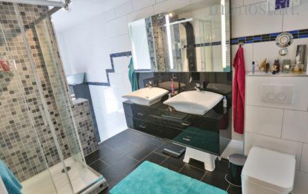 Tageslichtbadezimmer Wohnung Obergeschoss