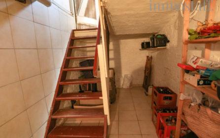 Treppenabgang zum Keller der Wohnung im EG