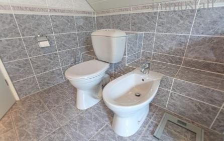 Badezimmer – WC & Bidet