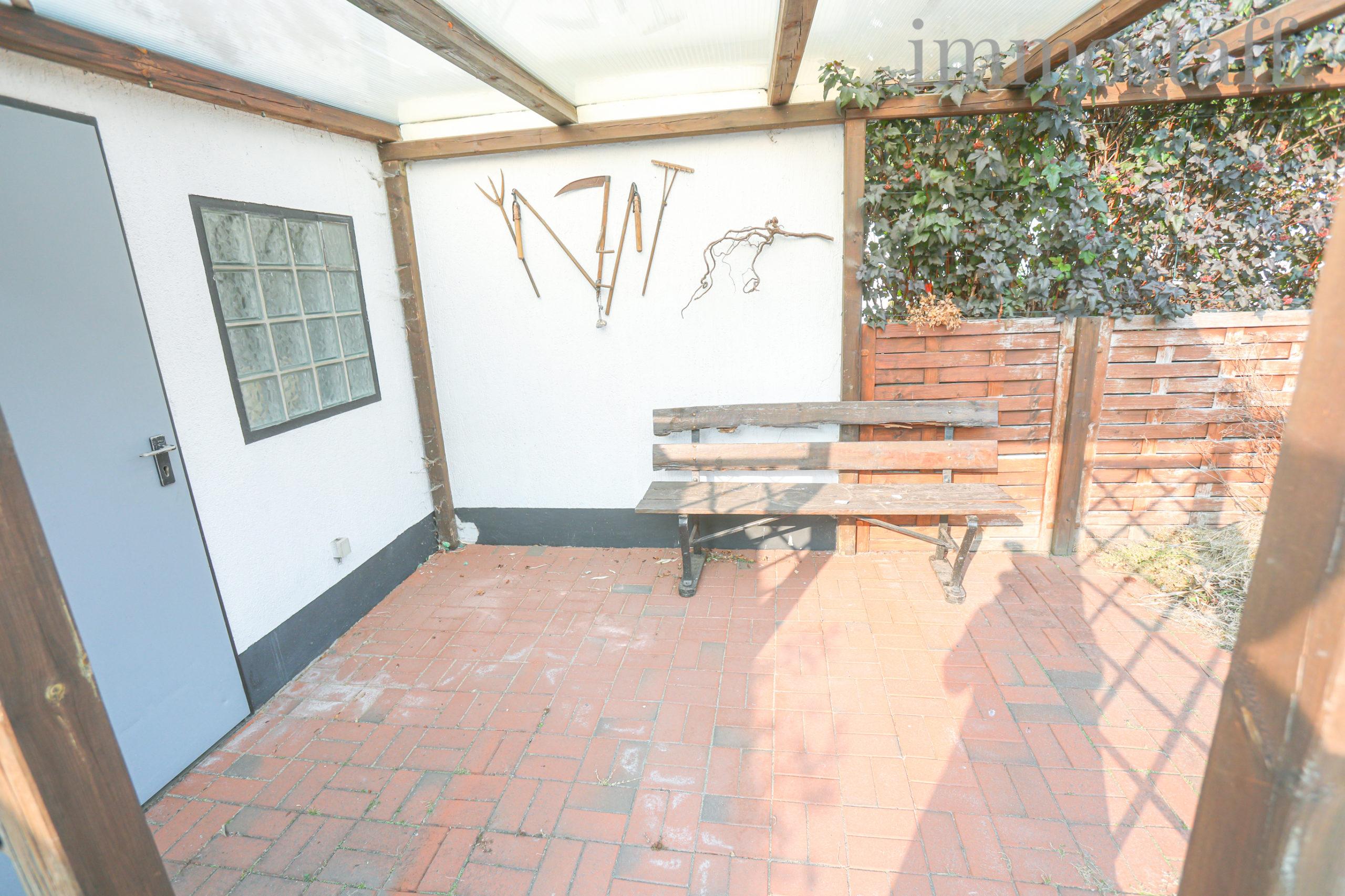 Terrasse im Garten, Ansicht 2