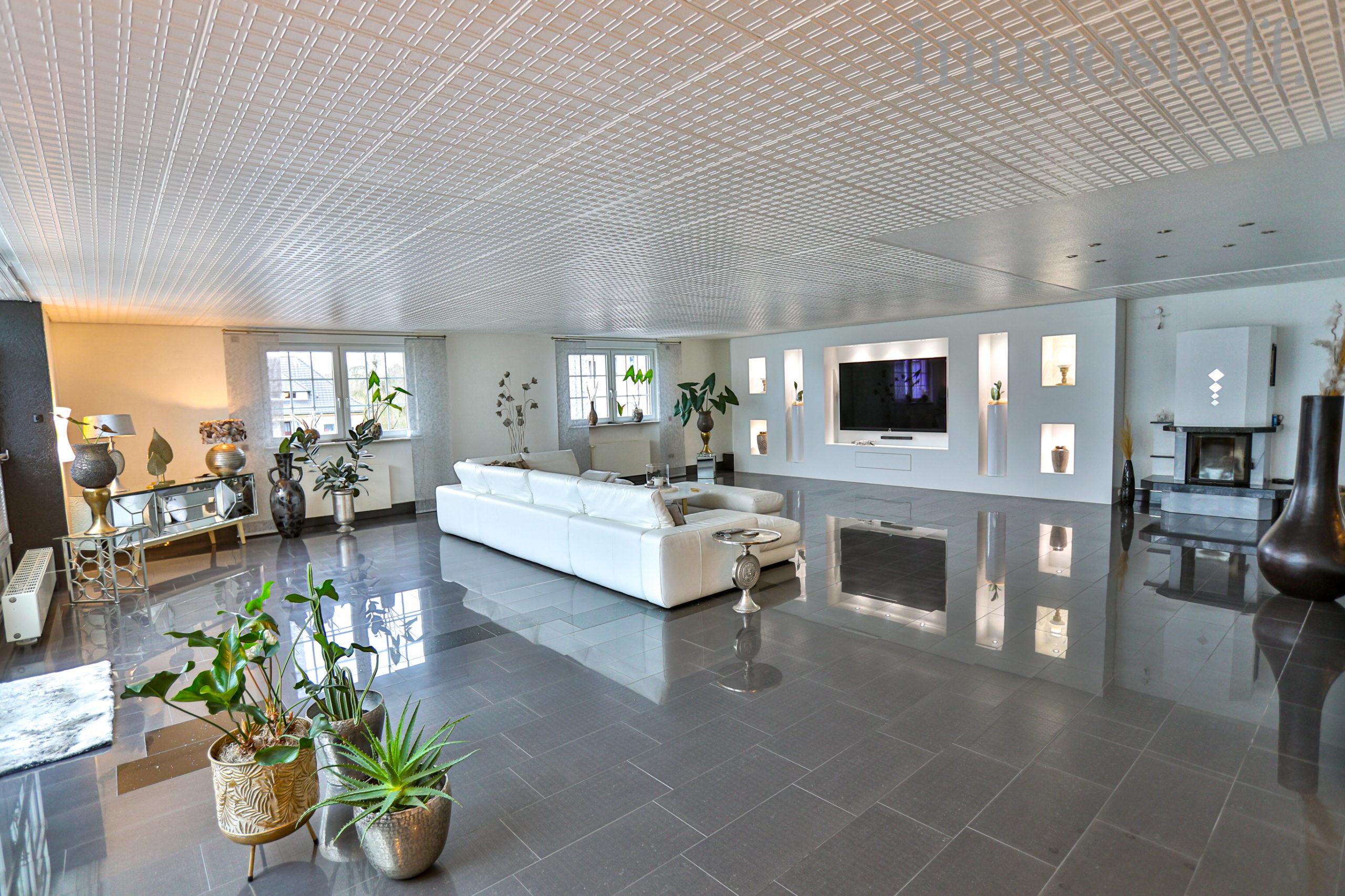 RARITÄT IN DER INNENSTADT! Exklusives Wohn- & Geschäftshaus mit 1 Ladenlokal & 3 Wohneinheiten!