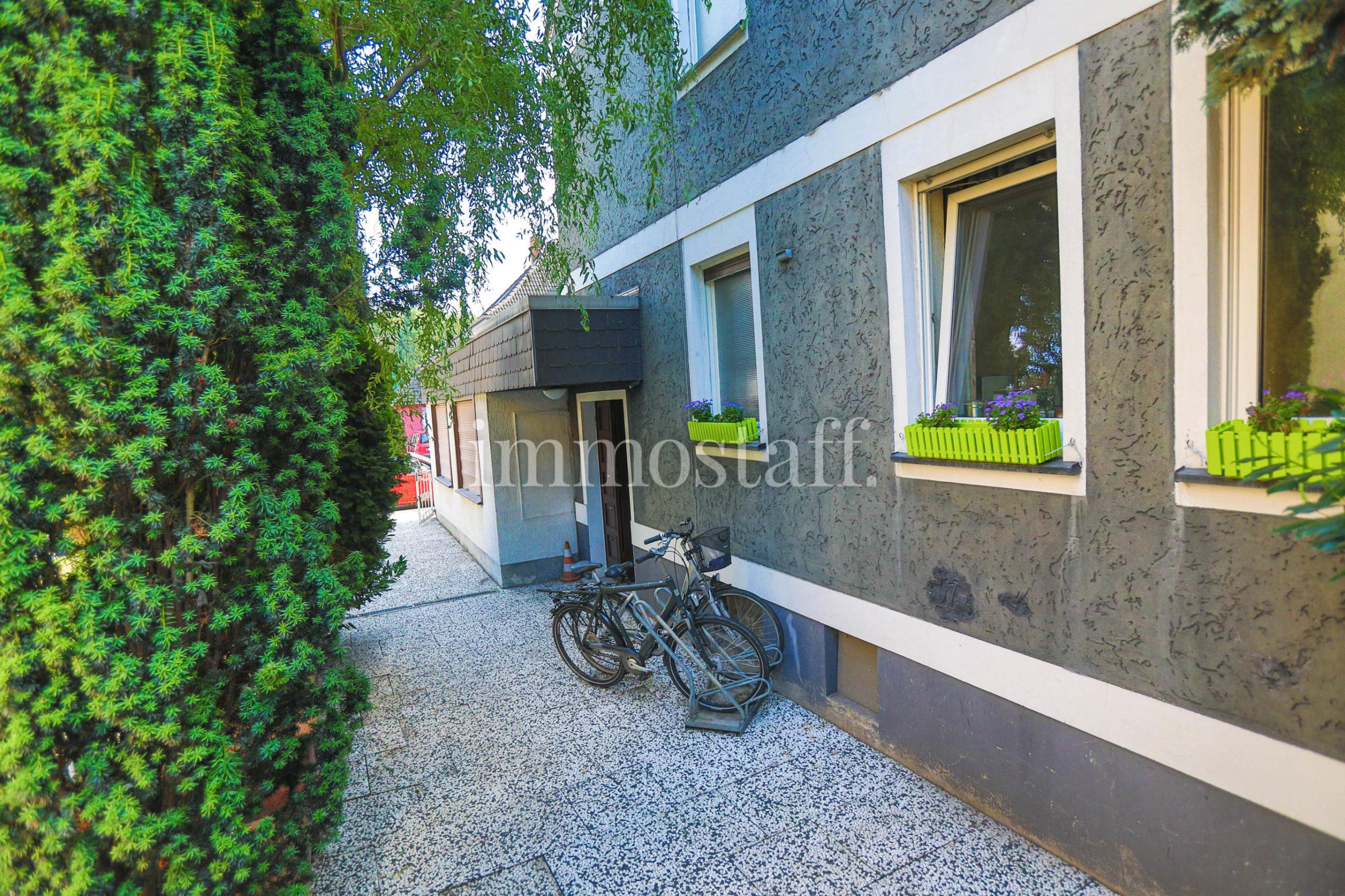 Eingangstür Bungalow & DG-Wohnung